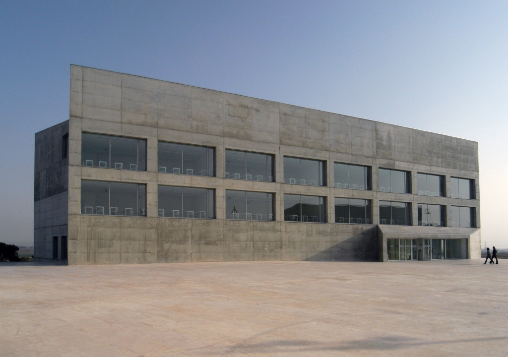 Communications Faculty of San Jorge University Nord Fassade