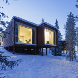 Arctic TreeHouse Hotel_View_5