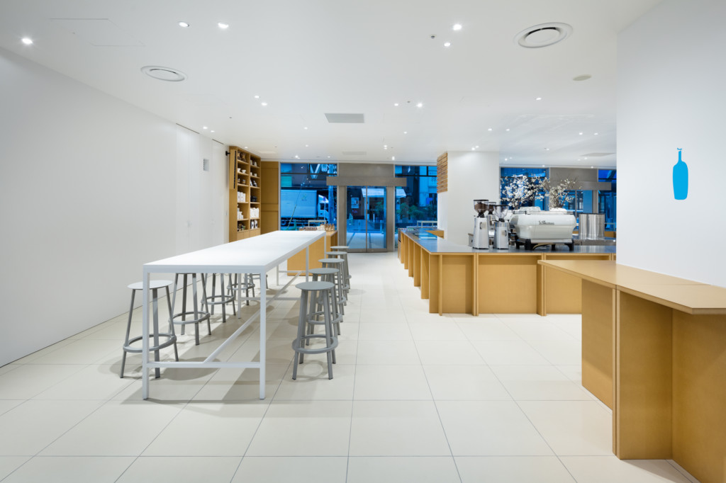 blue-bottle-coffee-shinjuku-cafe_ansicht_8