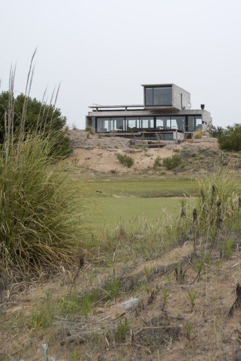 Golf House_View_2