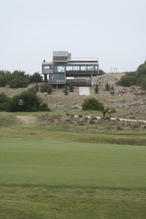 Golf House_View_3