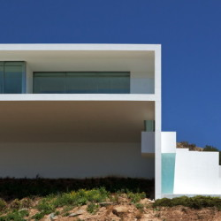 HOUSE ON THE CLIFF Ansicht 1