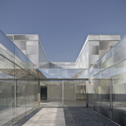 MUSEUM OF CONTEMPORARY ART IN ALICANTE Innenhof