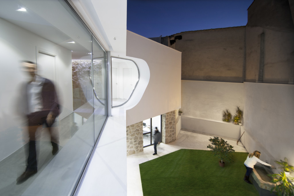 Peraleda House_View_8