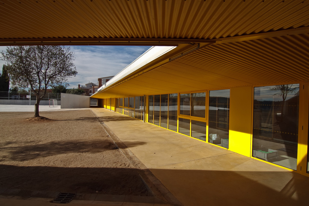 Marta Mata School Porch